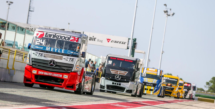 racing750x381